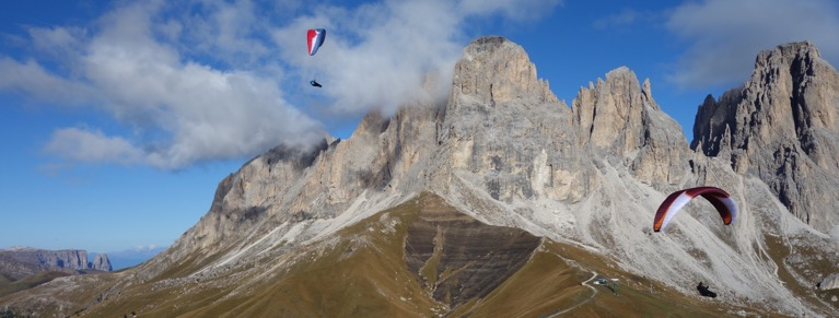 paragliding in the dolomites-Paracrane European Tour